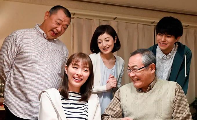 ドラマ『向かいのバズる家族』はNetflix・Hulu・U-NEXTどれで配信?